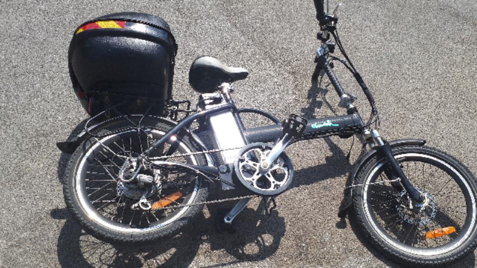 רוכב אופניים חשמליים נפצע באורך בינוני בתאונת דרכים