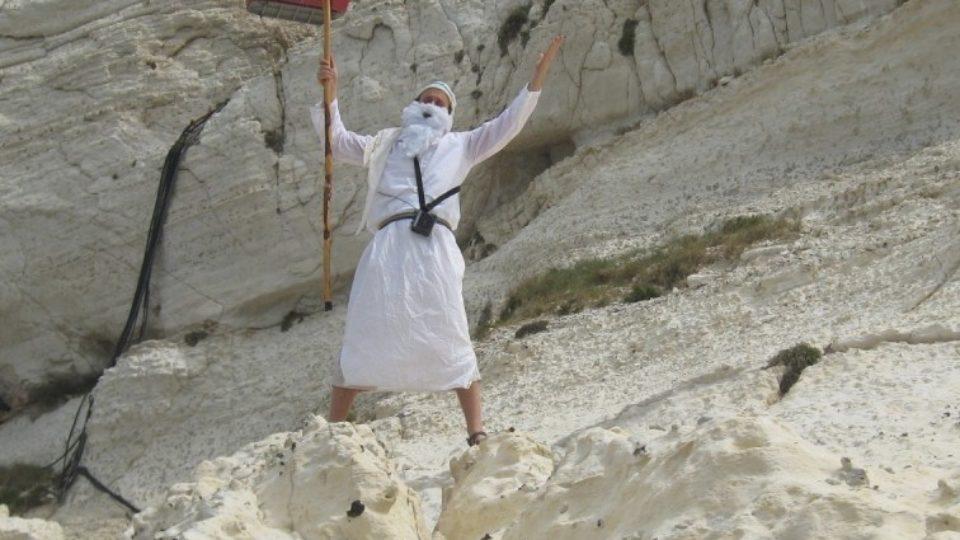 מטיילים עם משה רבנו בנקרות