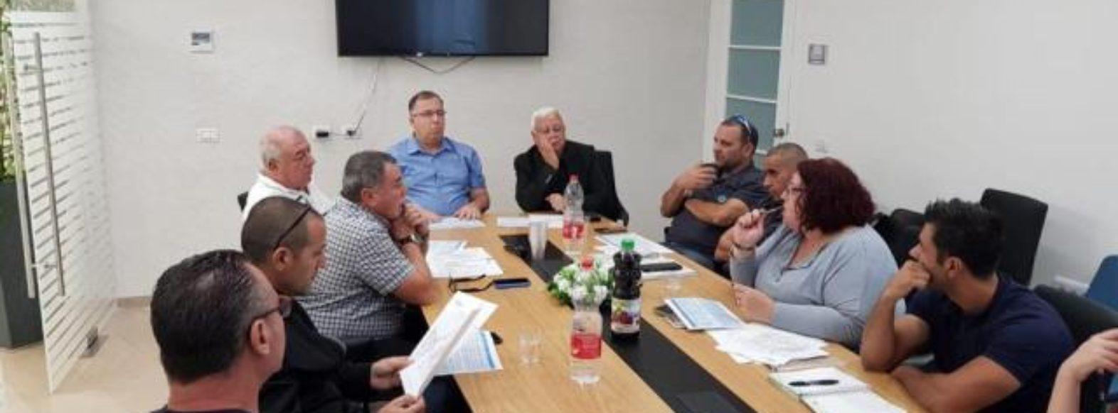 דוקורסקי ממשיך לפעול נמרצות נגד שריפות פיראטיות ומפגעי ריח