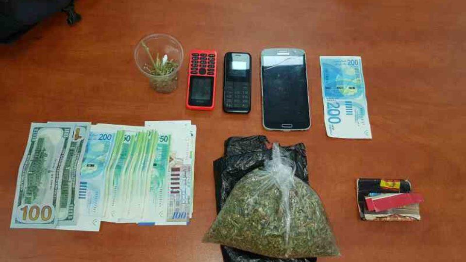 סמים,שטרות מזוייפים וטלפונים גנובים נתפסו אצל צעיר בקריית חיים