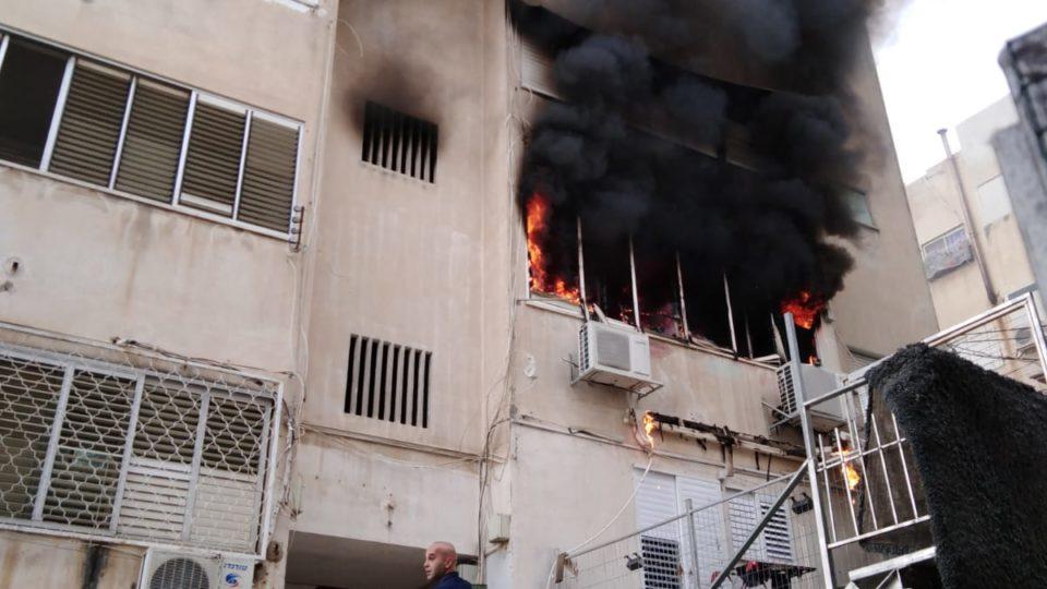 12 נפגעים בחיפה כתוצאה משריפה שפרצה בדירה