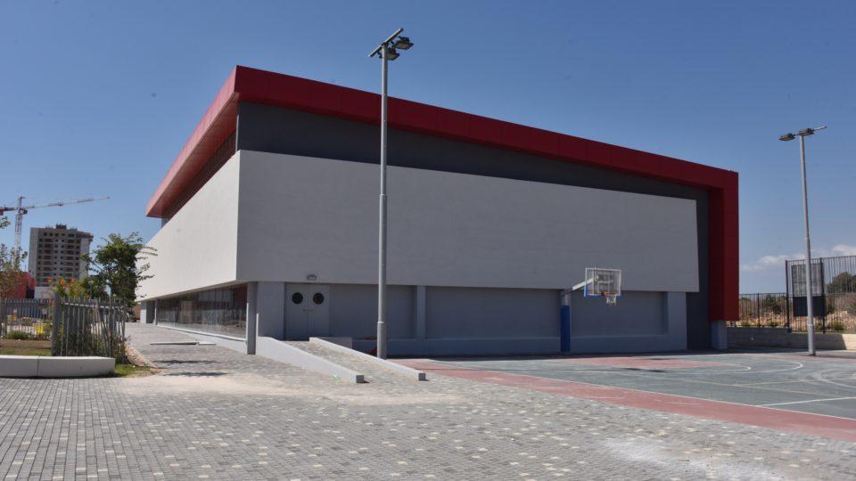 תושבי גבעת אלונים התחדשו באולם ספורט לילדיהם