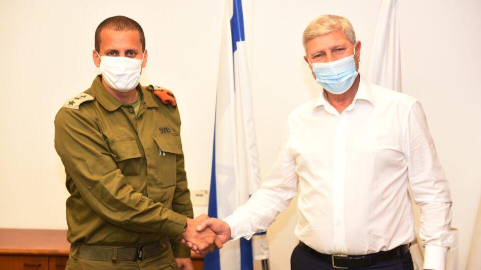 """ביקור מפקד מחוז חיפה בפיקוד העורף אל""""מ אלעד אדרי בקרית אתא"""