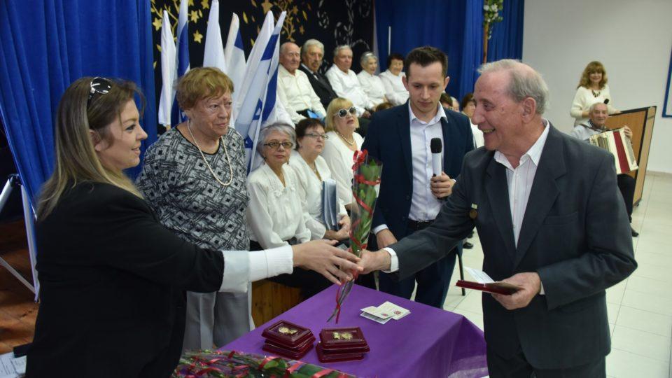 הענקת מדליות לוטרנים לציון 75 שנה לניצחון על גרמניה הנאצית