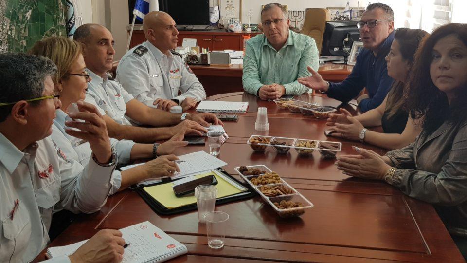יוזמה של כיבוי חיפה ועיריית ביאליק להתקנת גלאי עשן בבתי הקשישים