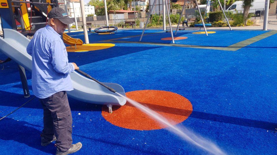 קריית אתא-שטיפת רחובות וגני משחקים ציבוריים ברחבי העיר