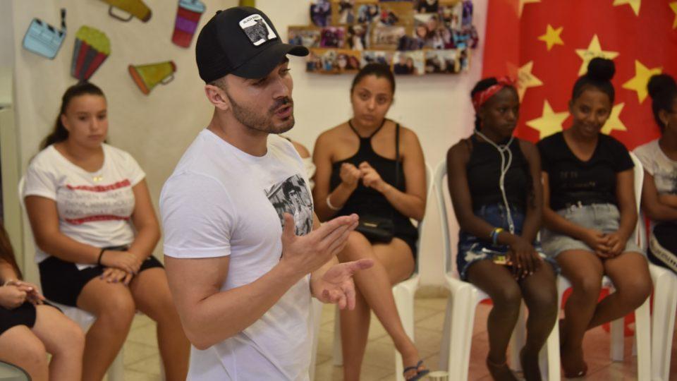 קריית אתא-הופעות וסדנאות אומן לבני הנוער בעיר