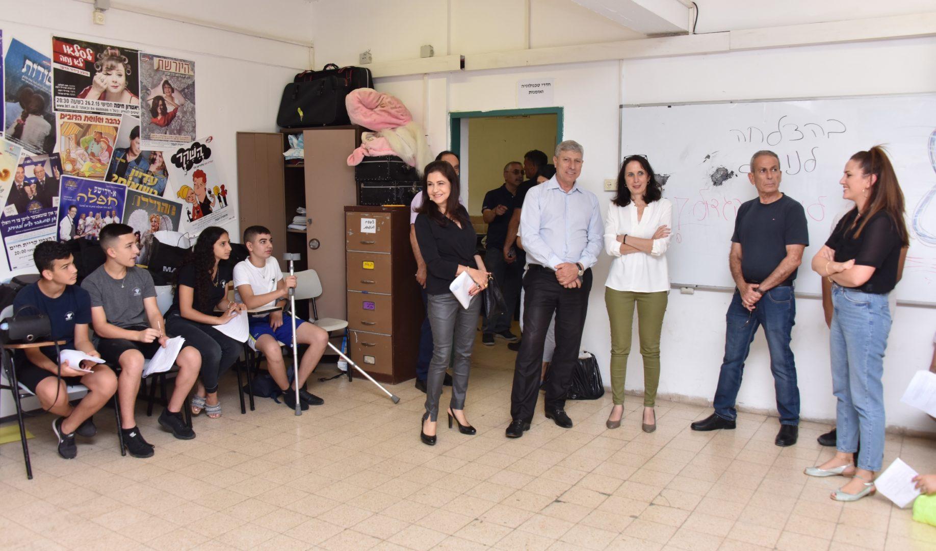 ראש העיר יעקב פרץ בסיור מוסדות חינוך בעיר