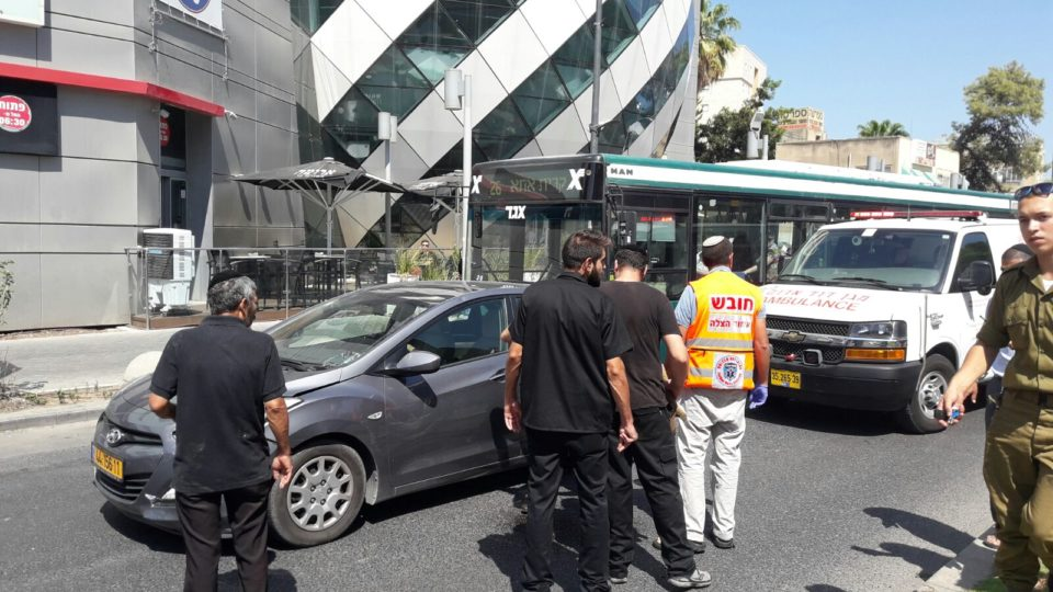 פצועה בינוני בתאונת דרכים בקריית אתא סמוך לעזריאלי