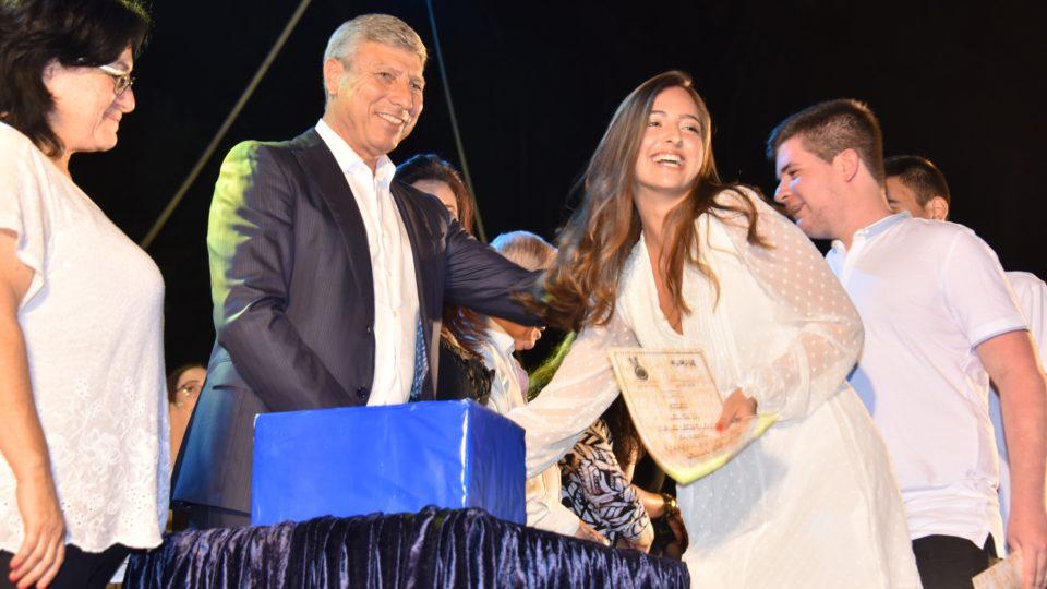 """377 בוגרי כיתה י""""ב בביה""""ס רוגוזין ציינו את סיום לימודיהם"""