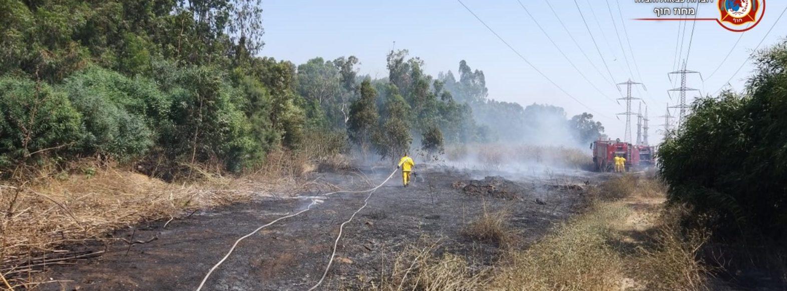 שריפה גדולה  באזור התעשיה ביאליק. צוותים מגנים על בתי העסק