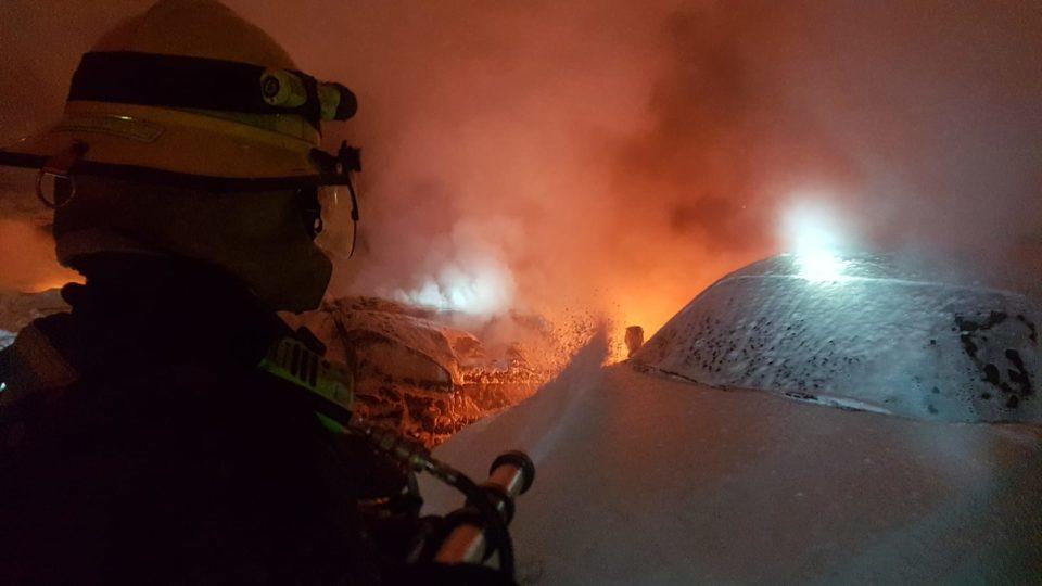 חמישה כלי רכב עלו באש בקריות, חשד להצתה