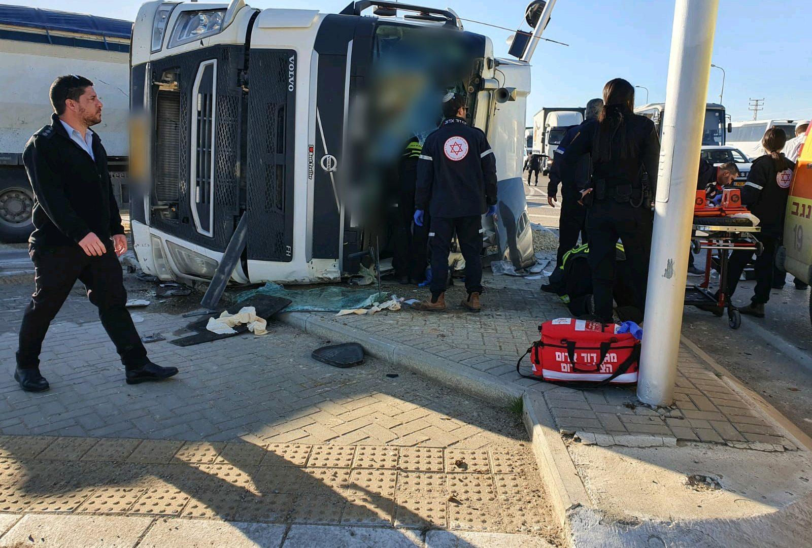 """מקום התאונה צילום: בן טטרו תיעוד מבצעי מד""""א"""