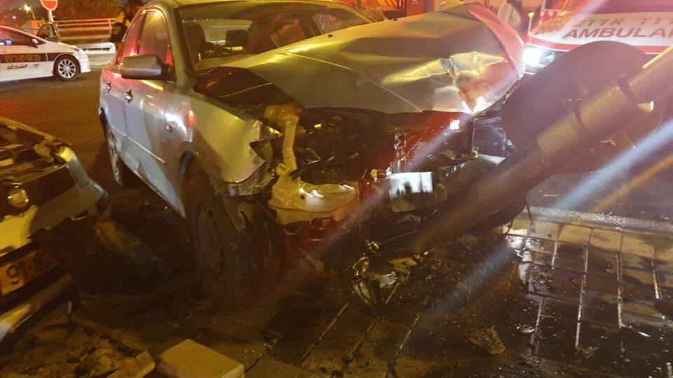 תאונת דרכים קשה עם לכודים בצומת אפק